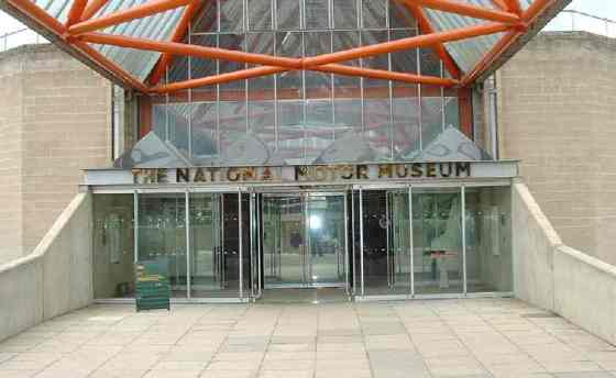 national_motor_museum_beaulieu_entrance