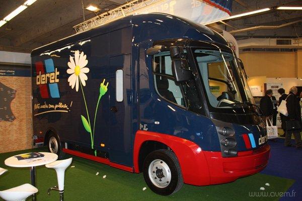 Deret Transporteur et sa flotte de Modec sera le premier client de l'E-Care en France.