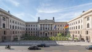 L'Allemagne devrait prôner le bannissement des moteurs à combustion d'ici 2030