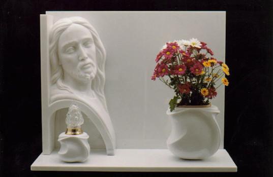 Lapidi in marmo con scultura  Lavorazione Marmo Roma Cesaroni