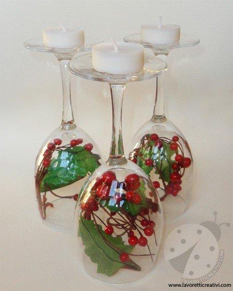 Centrotavola di Natale con i bicchieri