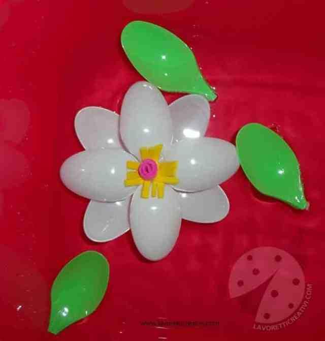 fiori-cucchiai-plastica4