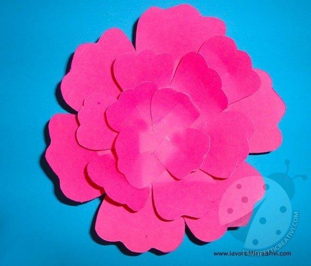 Come fare fiori di carta semplici 5