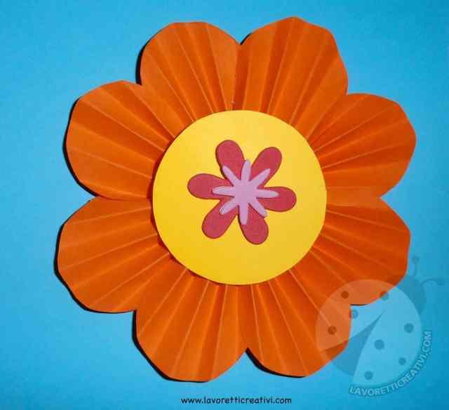 Come fare fiori di carta a fisarmonica