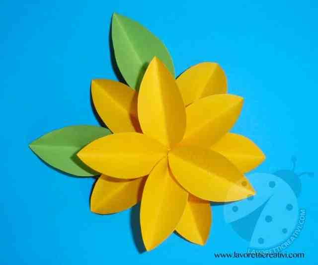 Come realizzare fiori di carta