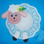 Pecorella di Pasqua con centrino di carta
