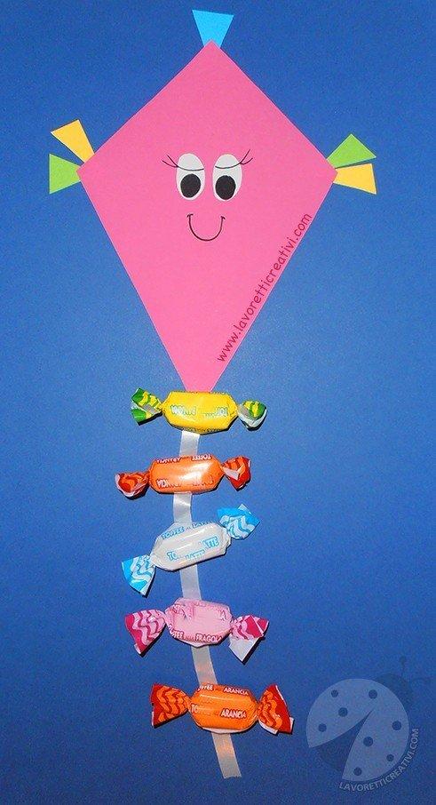 Idee lavoretti accoglienza aquiloni con caramelle for Lavoretti accoglienza infanzia