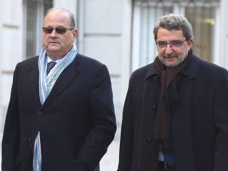 Gutiérrez Limones a su llegada al Tribunal Supremo acompañado por su abogado