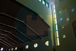 La parroquia estrena vidrieras / F. Amador