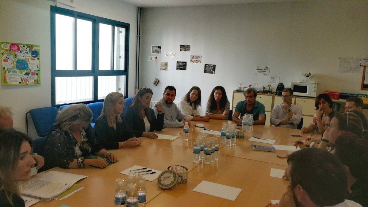 Visita de Sonia Gaya al Rodríguez Almodovar /Ayto. Alcalá Guadaíra