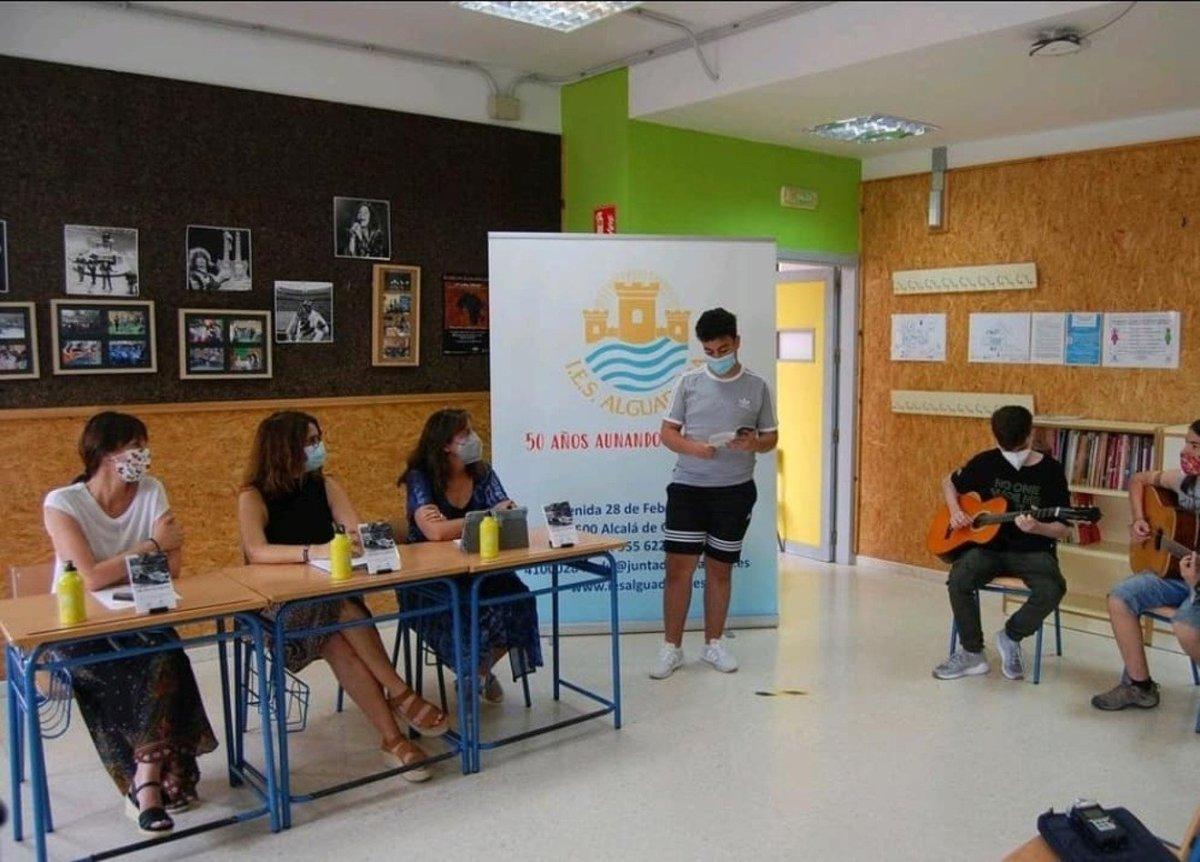 Presentación en el IES Al-Guadaíra.