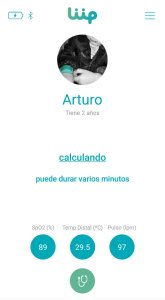 foto aplicación de la pulsera con datos