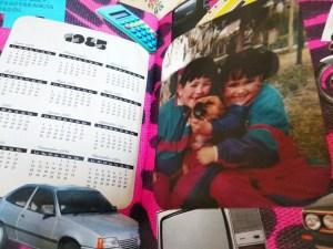 dos niñas con un perro 1985