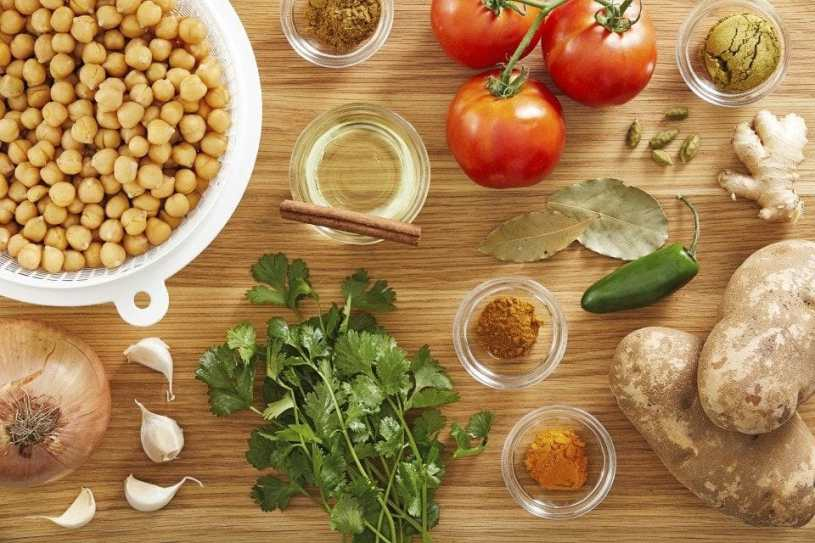 ingredientes. garbanzos al curry