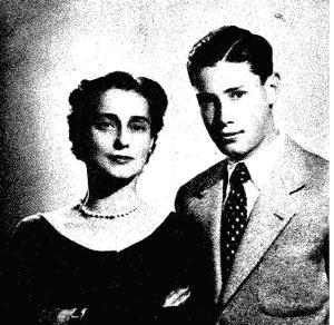 La duquesa de Andría, Teresa de Bustos y Figueroa, con su hijo, el malogrado don Luis Roca de Togores y Bustos, marqués de Asprillas, fallecido trágicamente en Añover de Tajo (Toledo) el 25 de febrero de 1955.