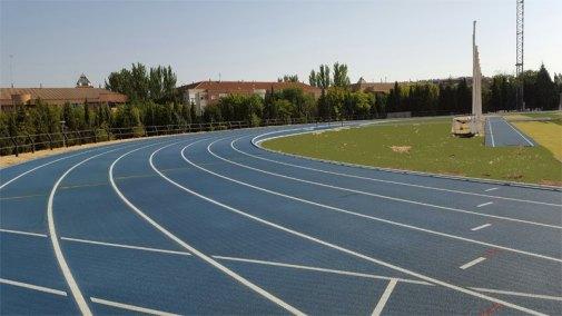 Pistas de atletismo del estadio Rafael Mendoza. Fotografía: Ayuntamiento de Pinto.