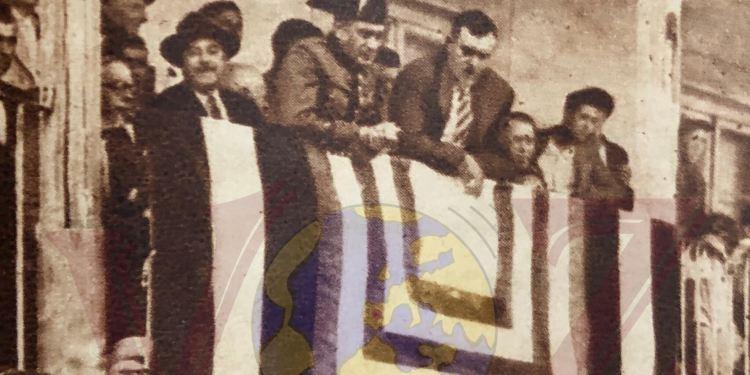 El alcalde de Pinto Ricardo Batres Claramunt asomado en el balcón del Ayuntamiento de Pinto en 1930