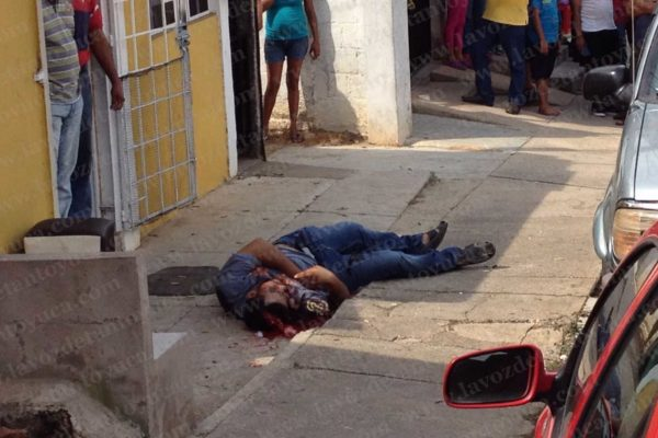 De 23 disparos ejecutan a sujeto a quemarropa. Foto: LVDT.
