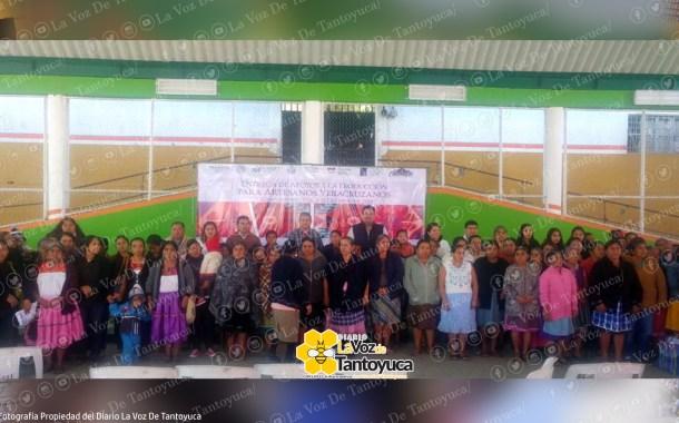 Entrega FONART apoyo a artesanos chicontepecanos