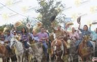 Encabeza Pedro Adrián Martínez tradicional cabalgata en honor a San Juan Bosco, en El Paso