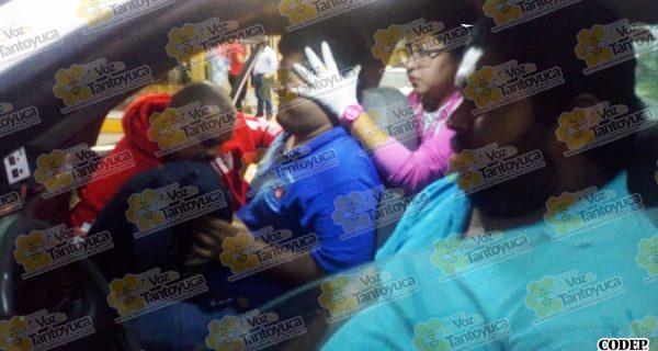 3 lesionados deja aparatoso choque de taxis | CODEP