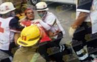 3 lesionados deja aparatoso choque de taxis