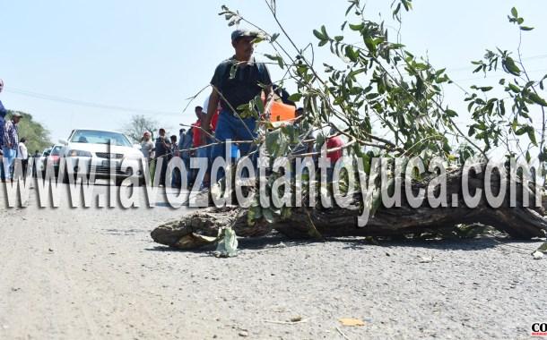 Comuneros bloquean nuevamente la carretera; ahora en San Sebastián