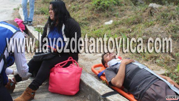 Taxista de Huejutla ocasiona percance vial en Tantoyuca