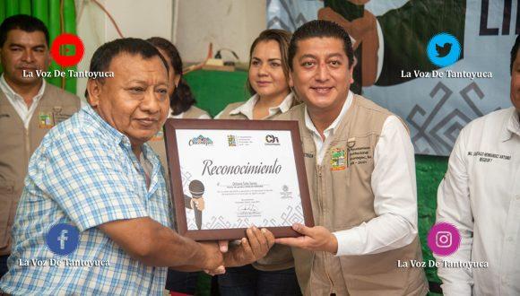 Reconocen a periodistas en el Dia de la Libertad de Expresión, en Chicontepec   LVDT