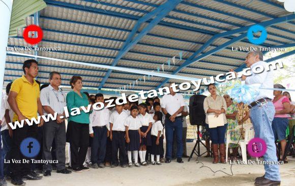 Entrega Ayuntamiento techado escolar con captadores de agua en Maguey Aquiche | LVDT