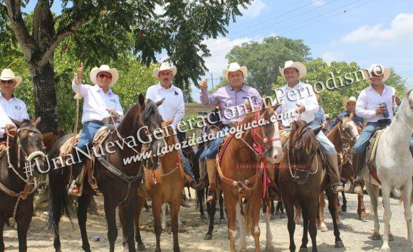 Cabalgan en Honor a la Virgen de la Asunción en Ixcatepec | LVDT