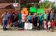 Padres de familia toman Jardín de Niños. Exigen más docentes para la institución