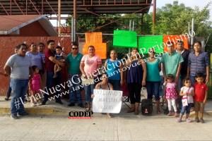 Padres de familia toman Jardín de Niños. Exigen más docentes para la institución    LVDT