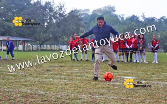 Inaugura David Guzmán encuentro deportivo en Ixcatepec | LVDT