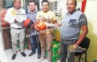 Entrega Ayuntamiento apoyos al deporte, en Ixcatepec