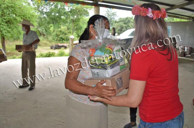 Entrega alcalde apoyos alimenticios a familias vulnerables, en Chicontepec | LVDT
