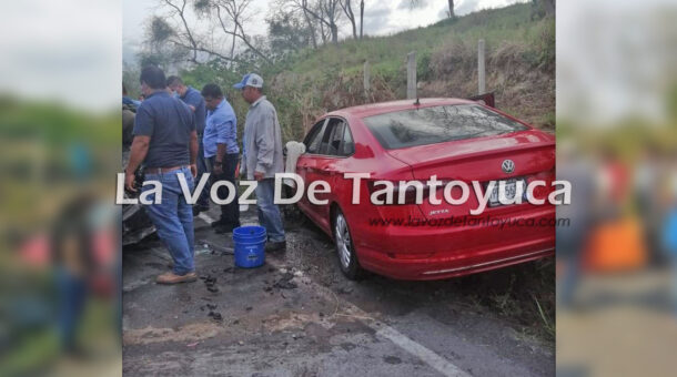 Maestros de Ixcatepec resultan lesionados en aparatoso accidente automovilístico | LVDT