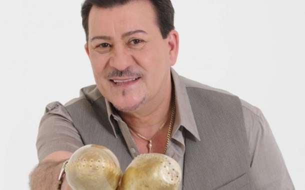 """Tito Rojas """"El Gallo Salsero"""" 40 años de Éxitos"""