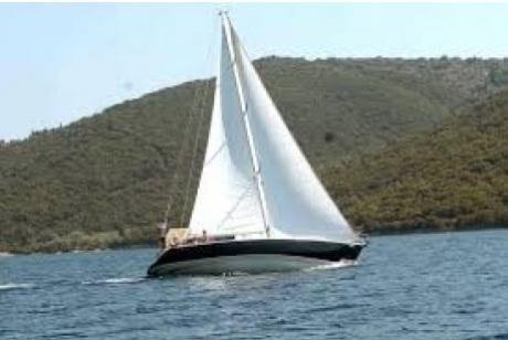 Εισροή υδάτων σε Ι/Φ σκάφος στο Σούνιο