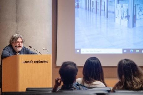 Ως κινηματογραφικό έργο στο Μουσείο της Ακρόπολης προβλήθηκε συναυλία που πραγματοποιήθηκε στο Σούνιο
