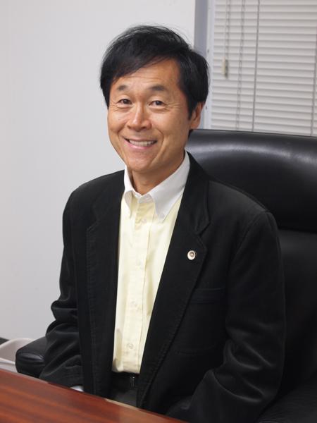 代表・弁護士の山下江の写真
