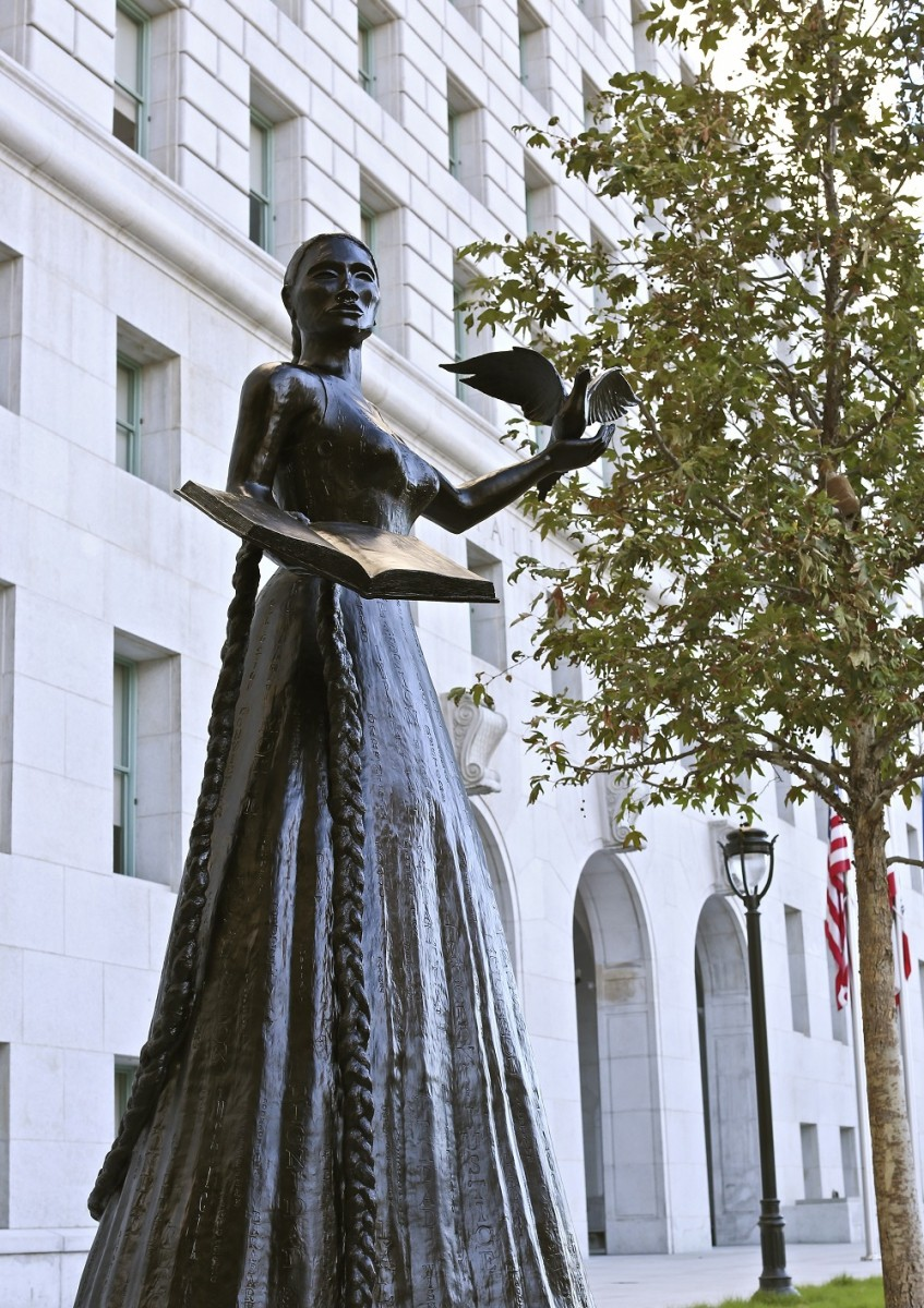 Alison Saar, Embodied, installed at the Hall of Justice in DTLA; Credit: Courtesy of the artist and L.A. Louver Gallery