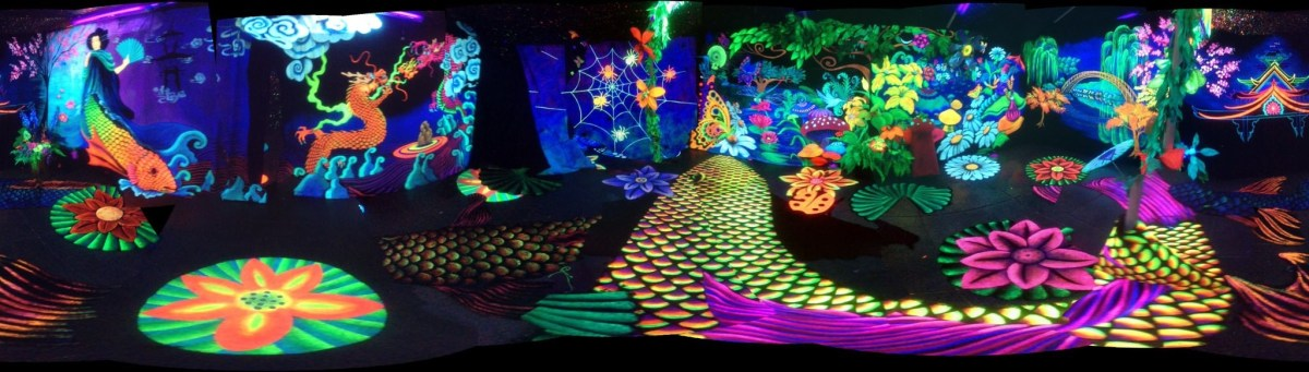 Debi Cable's 3-D Blacklight Experience at the Globe; Credit: Courtesy of the artist