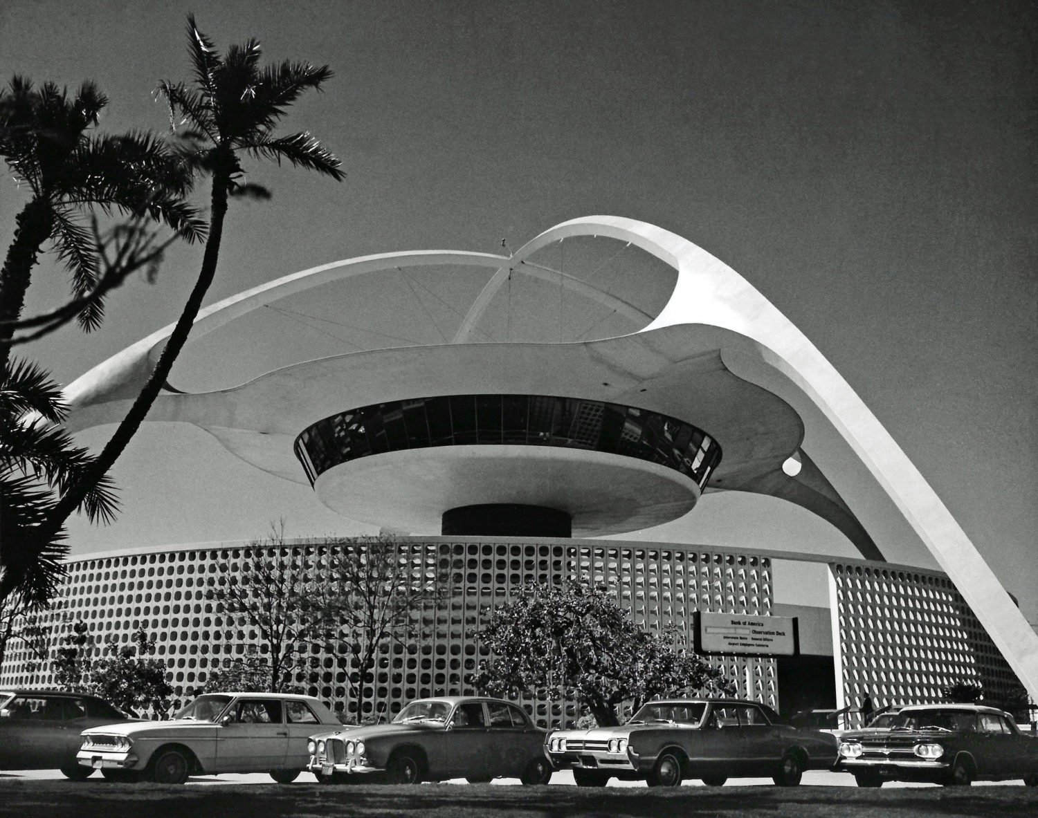 The Iconic Theme Building Turns 60 In June – Will It Survive The Next LAX Era?