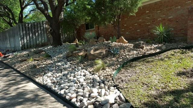 no-dirt rock only design for texas landscape