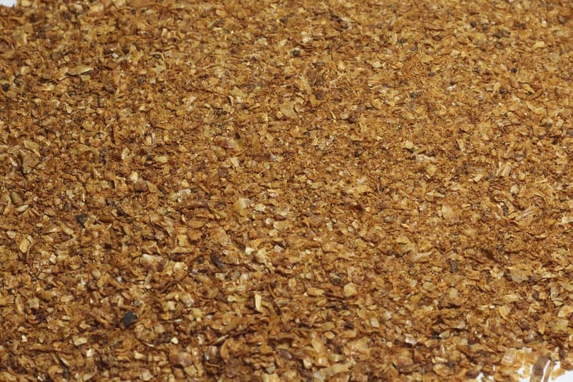 Corn gluten that can also be used as fertilizer for the garden