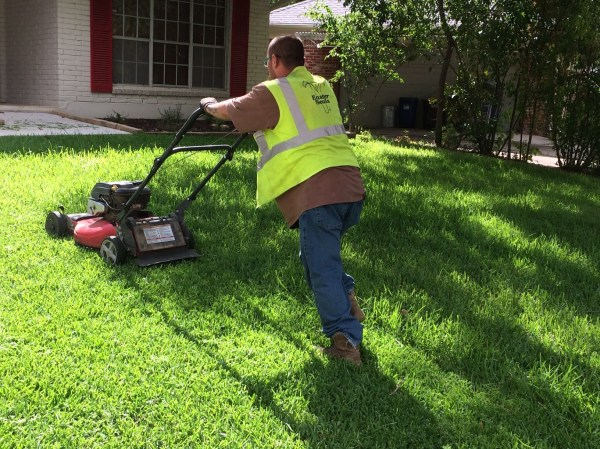 lawnstarter pairs with easter seals