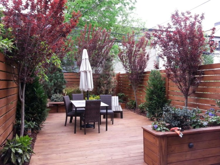 how to landscape a small backyard