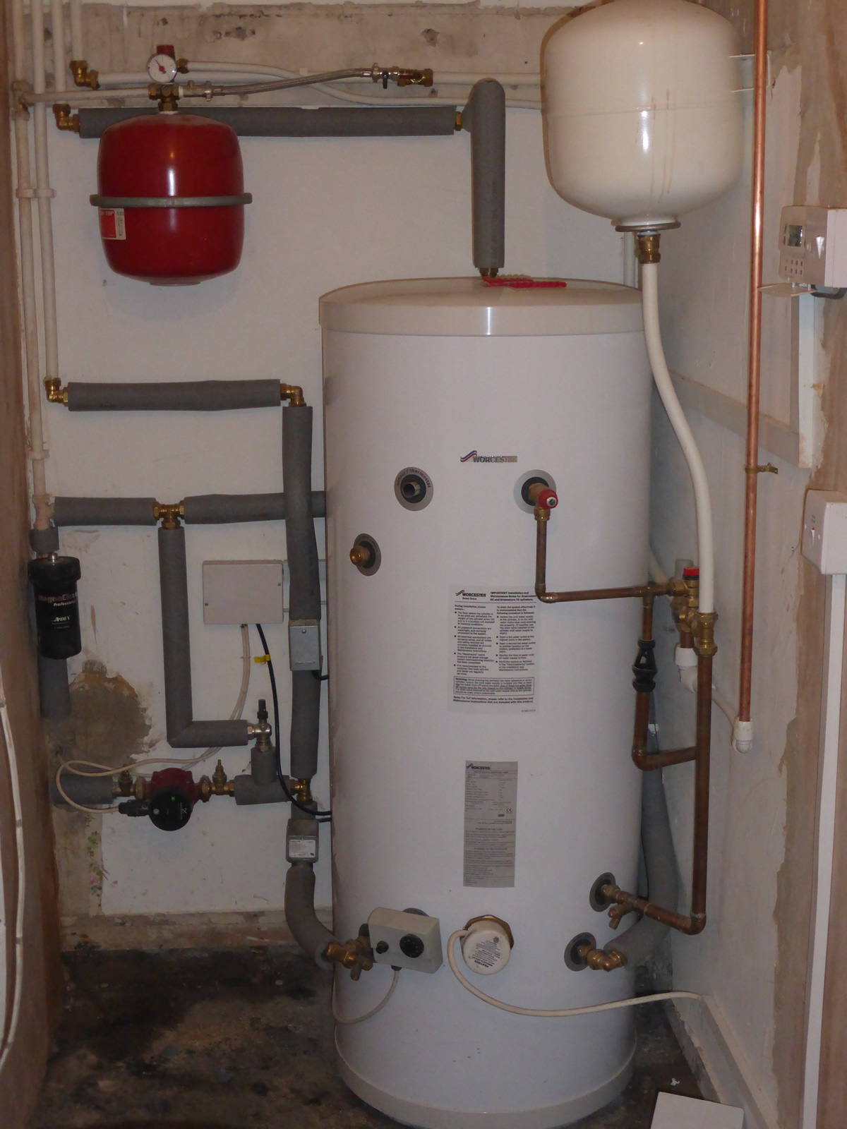 hight resolution of unvented water cylinder