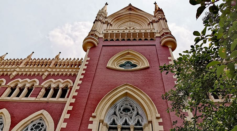 Calcutta High Court 'reminded' a District Magistrate that his official duty lay in the service of the citizens irrespective of politically-motivated arbitrariness and unreasonableness: